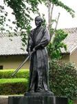 上泉自治会館にある上泉伊勢守の銅像